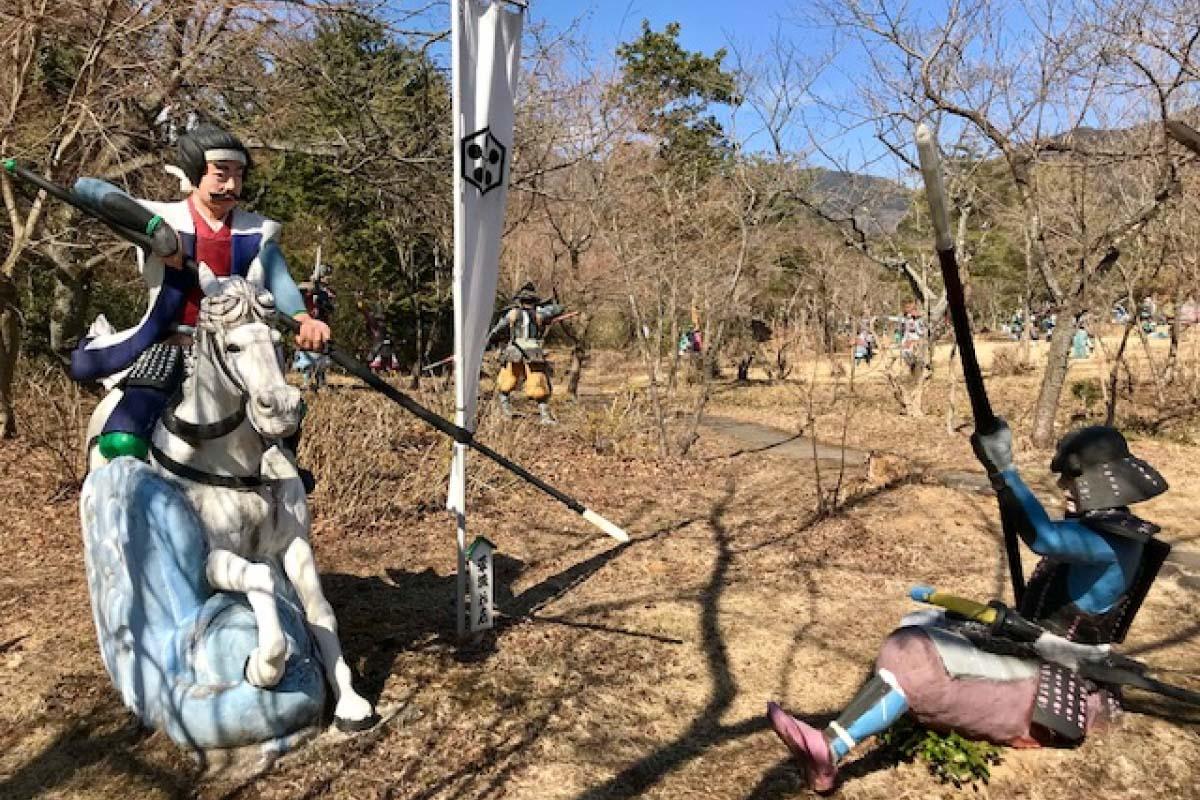 キモ可愛くてハマっちゃう!浅野祥雲のコンクリート像を見に行こう! ZEKKEI Japan