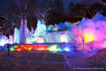 走一趟寒冬的岐阜!精選4處如夢似幻的冰之藝術「冰瀑」