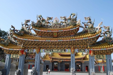 「東京から約1時間で行ける台湾」田園地帯に現れる異世界・聖天宮