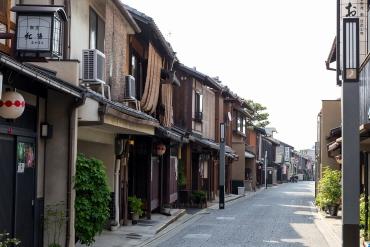 """""""普段着""""の京都が感じられる穴場スポット‐上七軒"""