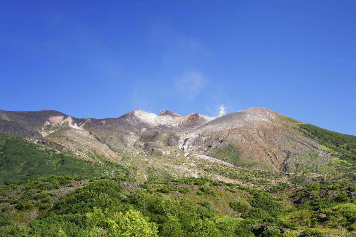 Tokachi mountain range