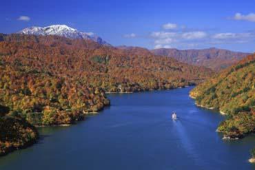 Lake Okutadami