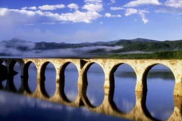 舊國鐵士幌線的水泥拱橋群(丹珠別川橋)