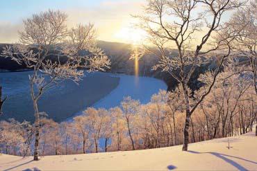 The Sun Pillar at Lake Mashu(Other Areas of Hokkaido)