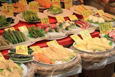 Kuromon Ichiba Market(Osaka)