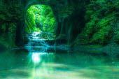 清水渓流広場(濃溝の滝・亀岩の洞窟)
